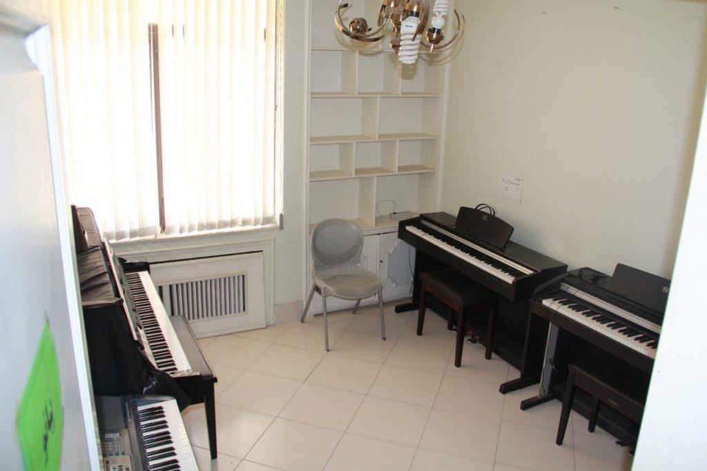 کلاس درس پیانو- آموزشگاه موسیقی ماهور مشهد